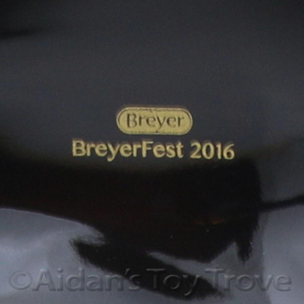 Breyer Namid 711241 Glossy Finish