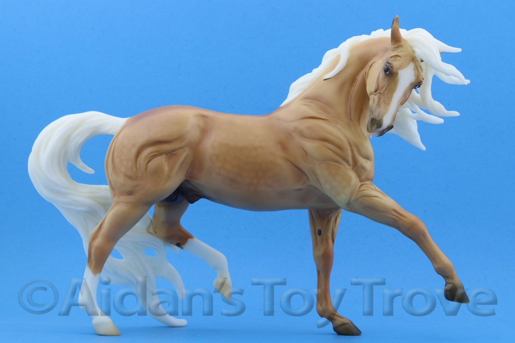Breyer Samba Surprise 711238 Matte Palomino