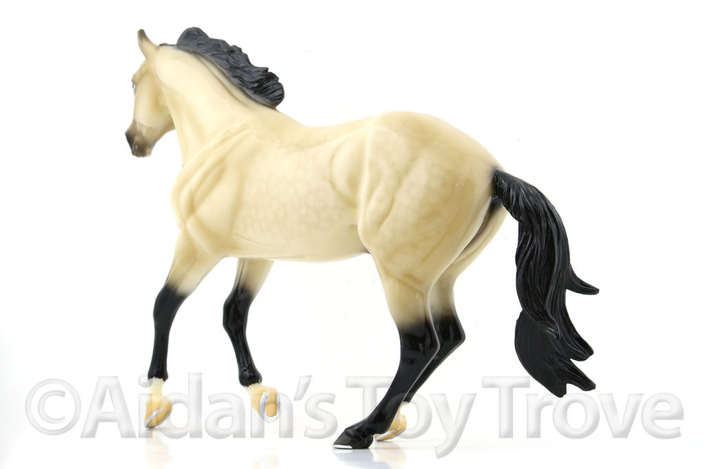Breyer Bollywood Surprise Glossy Buckskin 711257 BreyerFest 2017 Latigo