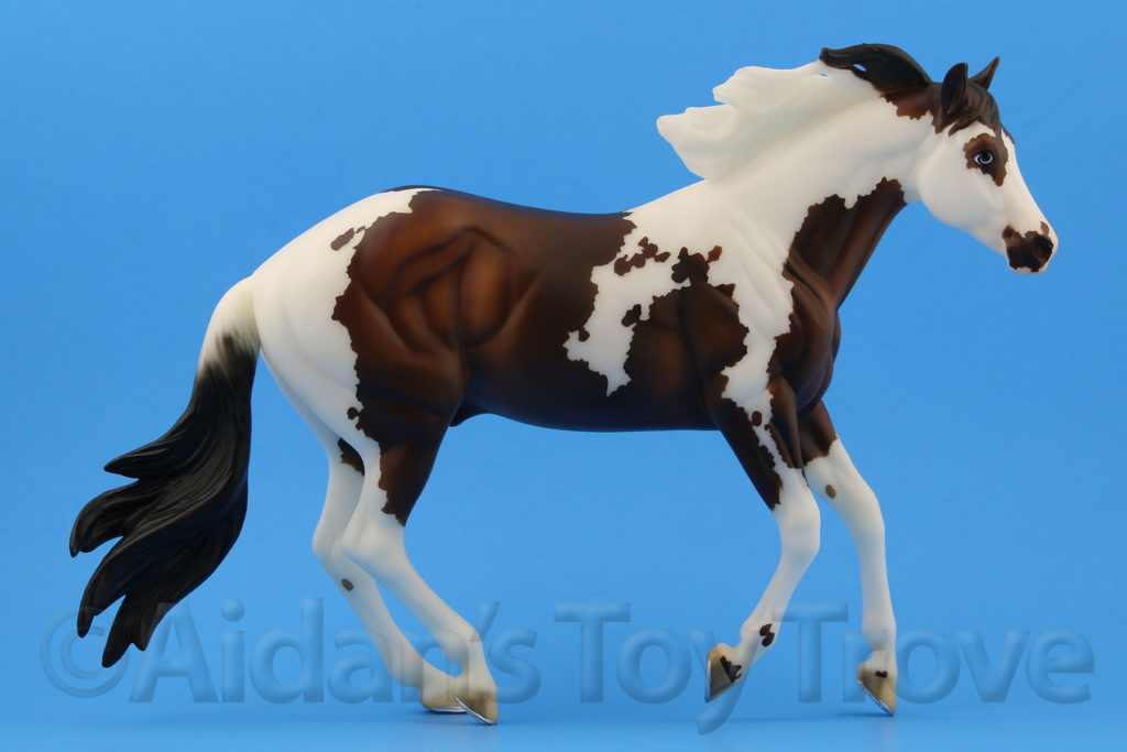 Breyer Bollywood Surprise Bay Pinto 711257 BreyerFest 2017 Latigo