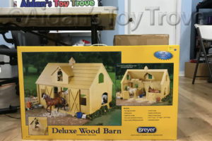 Breyer Deluxe Wood Barn