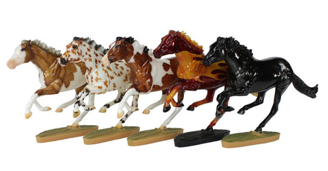 Breyer Dark Horse Surprise 711285