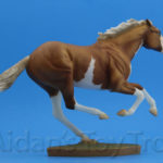 Breyer Dark Horse Surprise Matte Palomino Pinto 711285