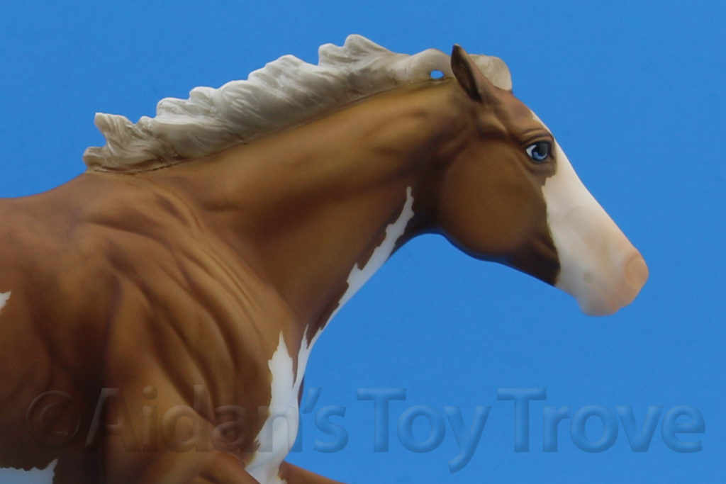 Breyer Dark Horse Surprise Palomino Matte 711285
