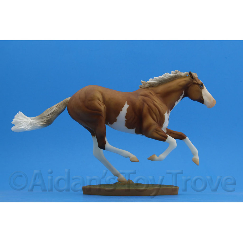 Breyer Dark Horse Surprise Matte Palomino Pinto 711285