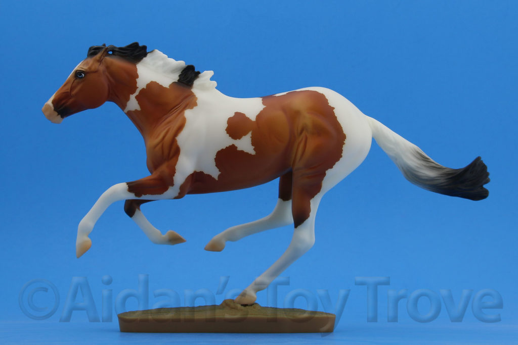 Breyer Dark Horse Surprise Matte Bay Pinto 711285